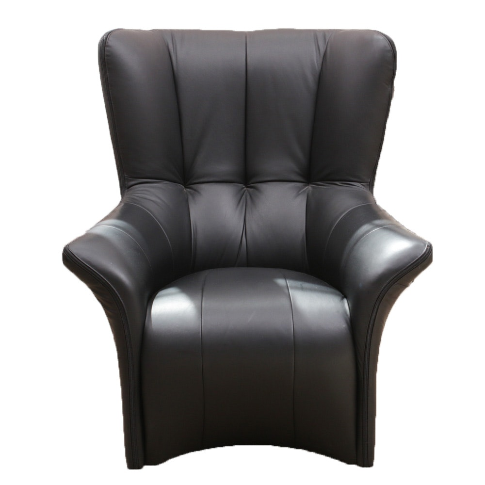 Contemporary Legacy Black Leather Butterfly Arm Chair with Zipper Accents