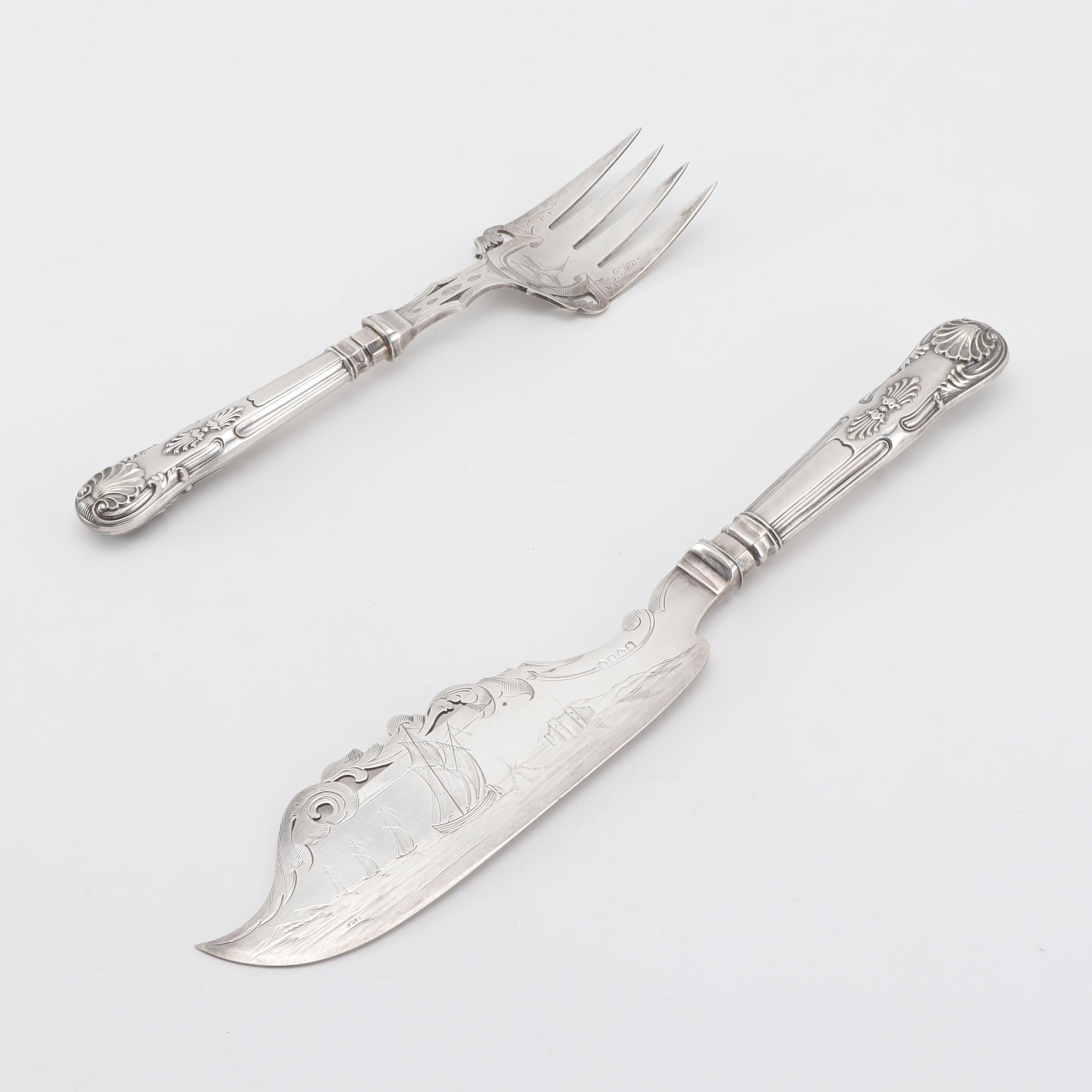 Fish Servers in 800 Silver with Silver Plate Handles