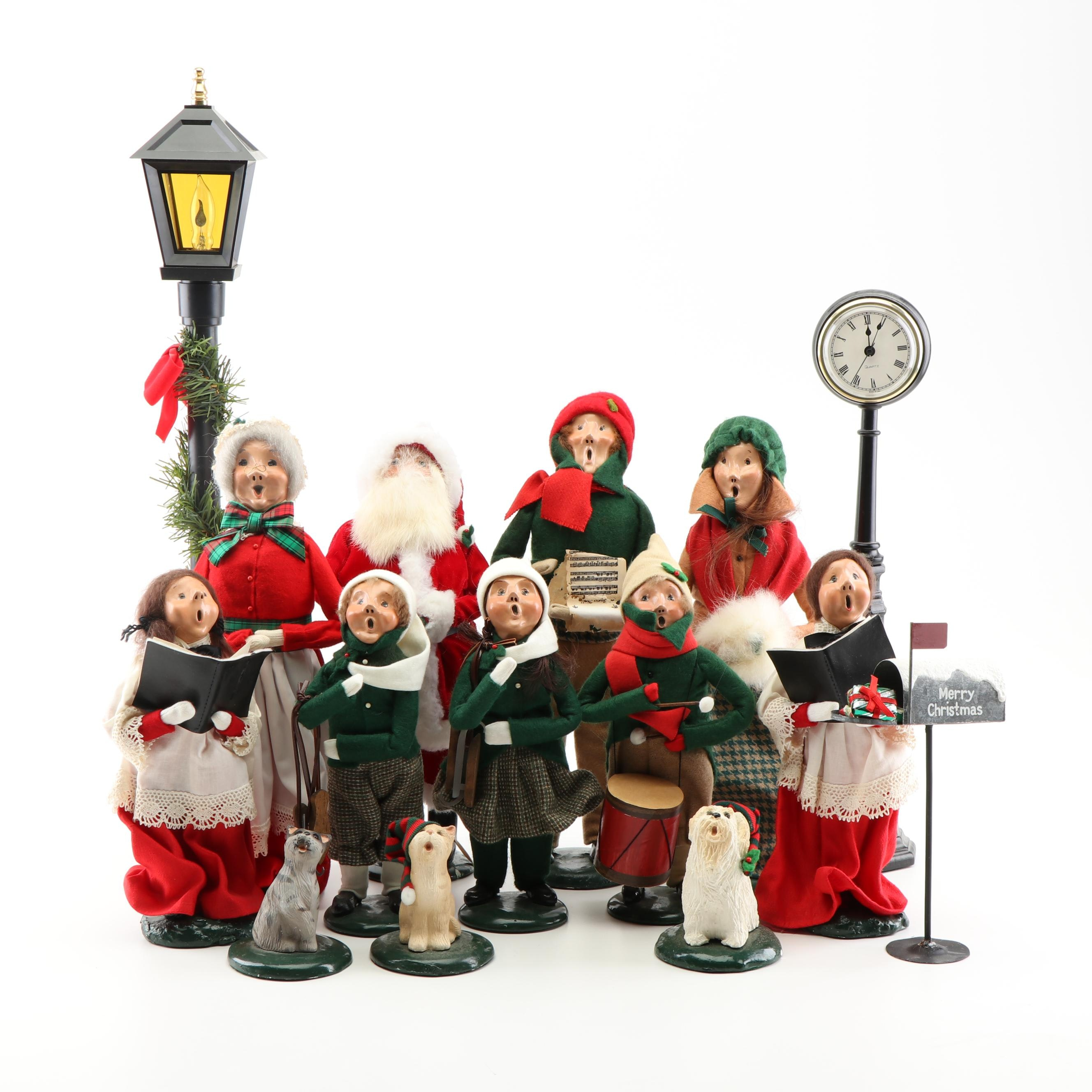Byers' Choice Christmas Carolers Figurines
