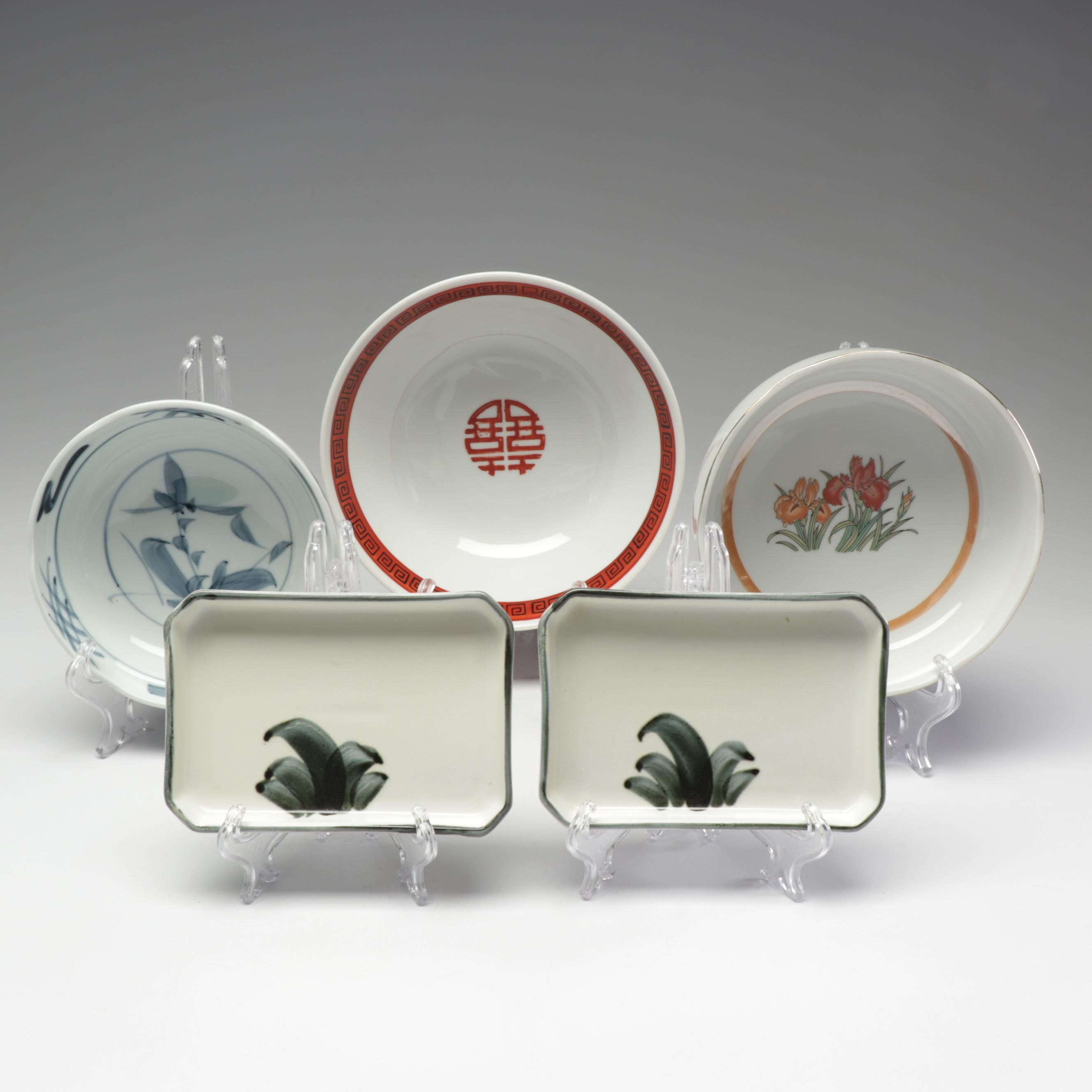 Chinese and Japanese Ceramic Donburi Bowls and Hand-Painted Dinnerware