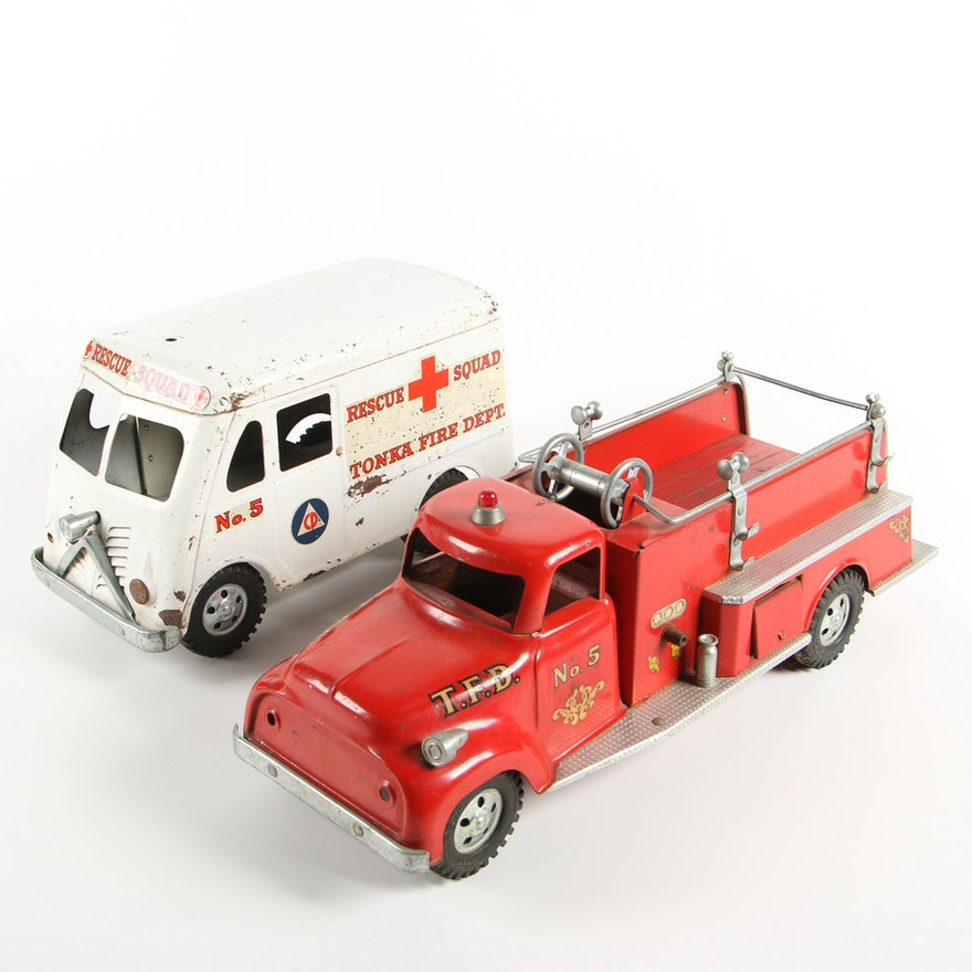 Tonka Toys Firetruck and Rescue Squad Ambulance