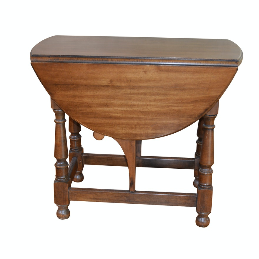 Pennsylvania House William and Mary Style Mahogany Drop Leaf Table, 20th Century