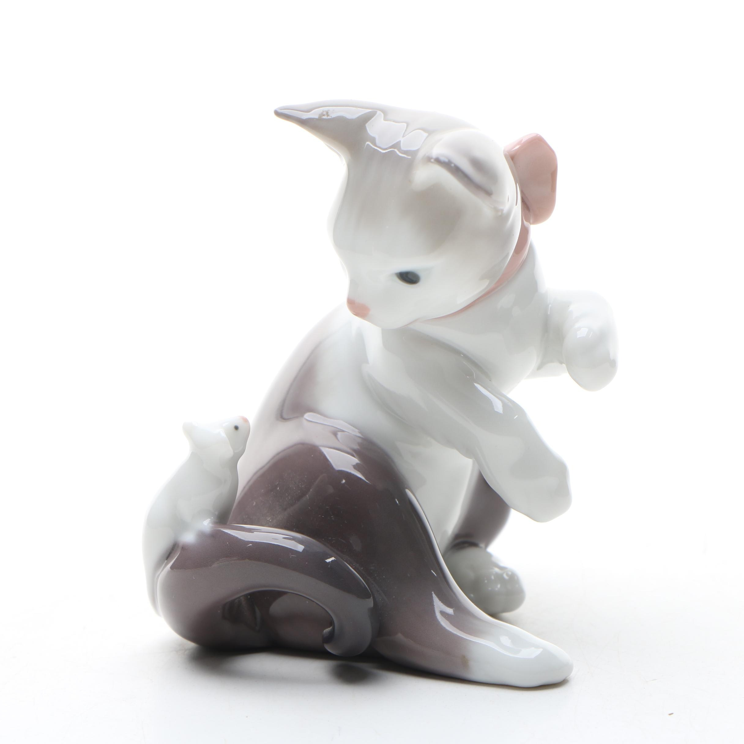 "Lladró ""Cat and Mouse"" Porcelain Figurine"