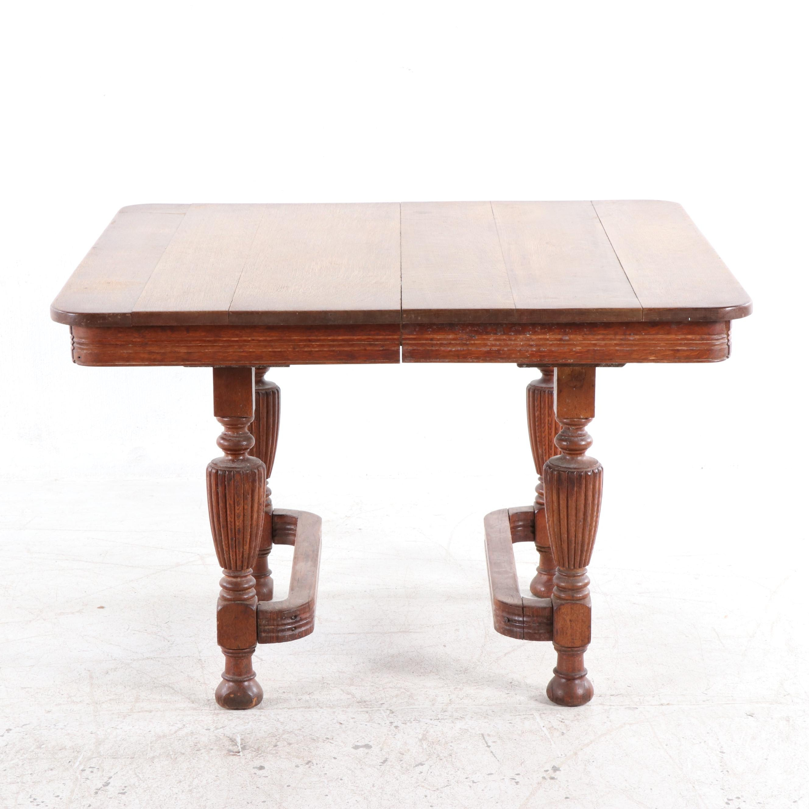William and Mary Style Oak Dining Table, Early 20th Century
