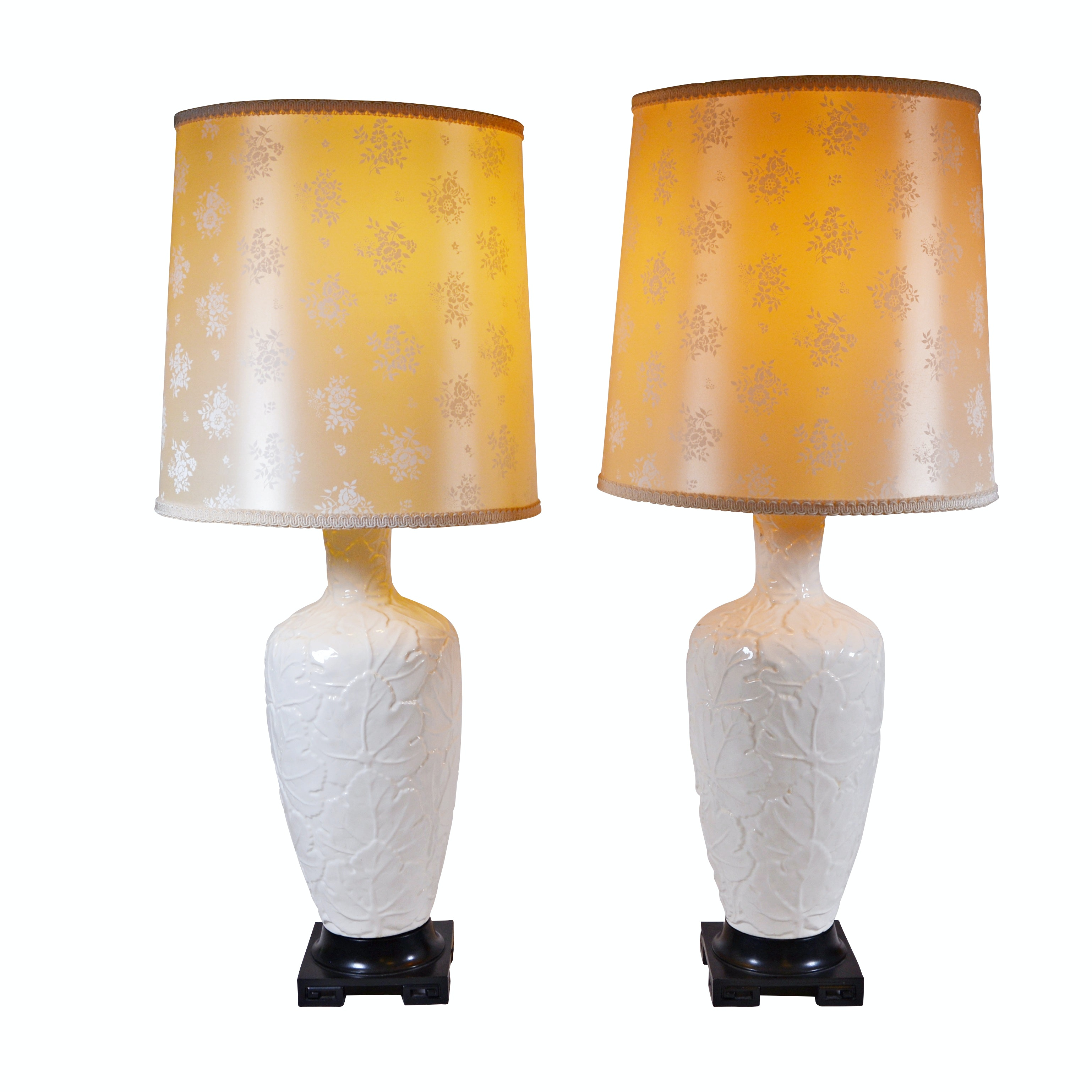 Embossed Leaf Porcelain Table Lamps with Shades