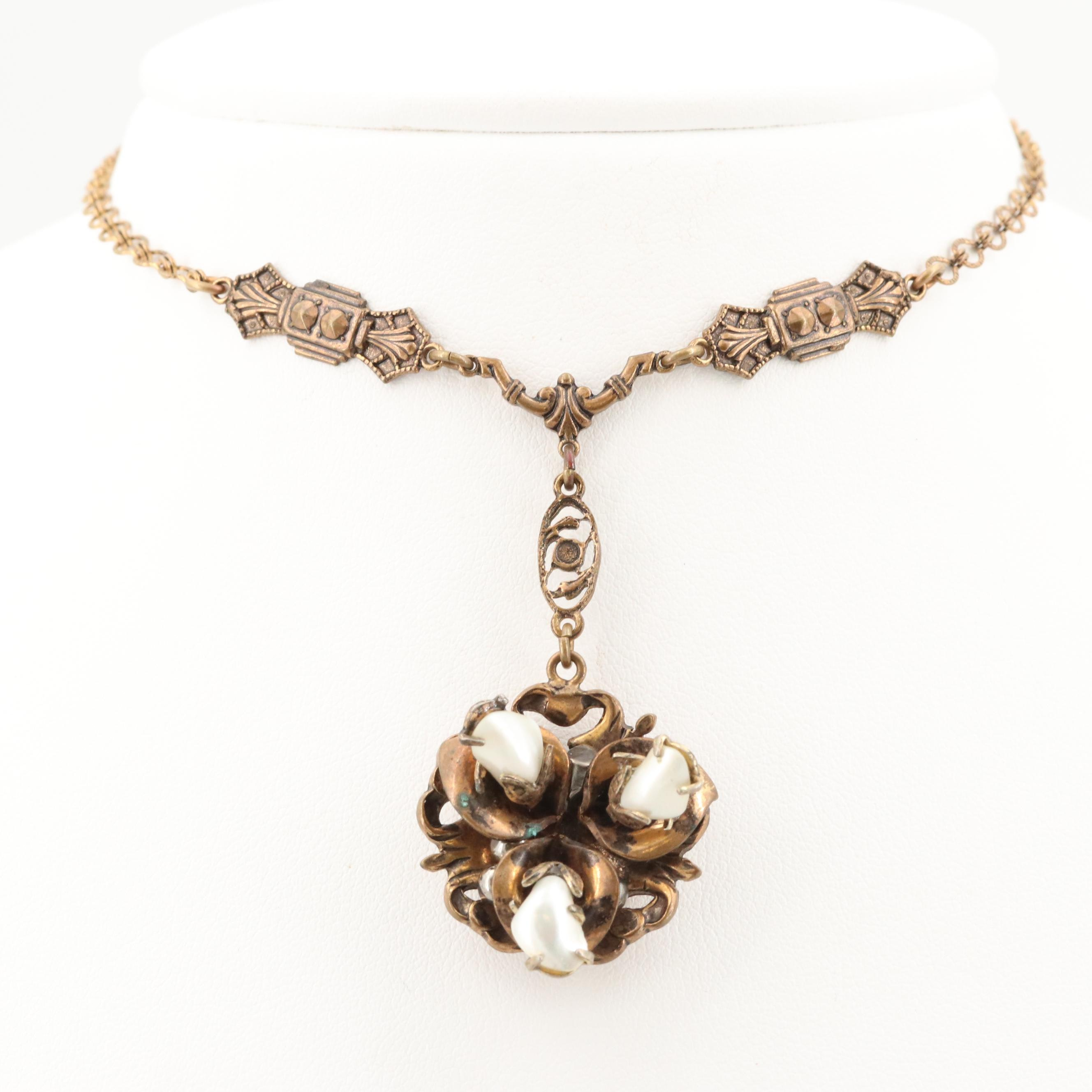 Vintage Gold Tone Shell Necklace