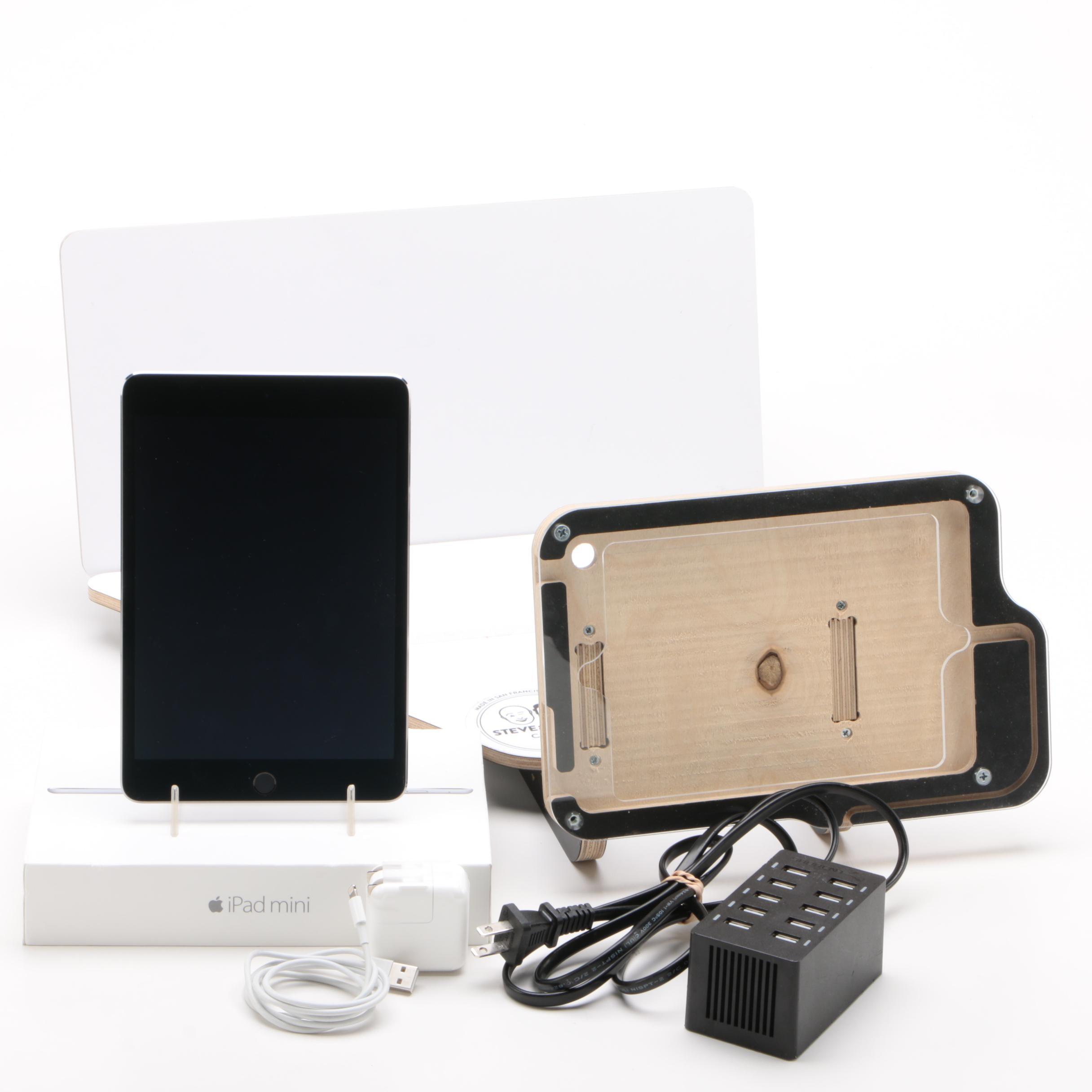 128GB Apple iPad Mini 4 with Animation Station