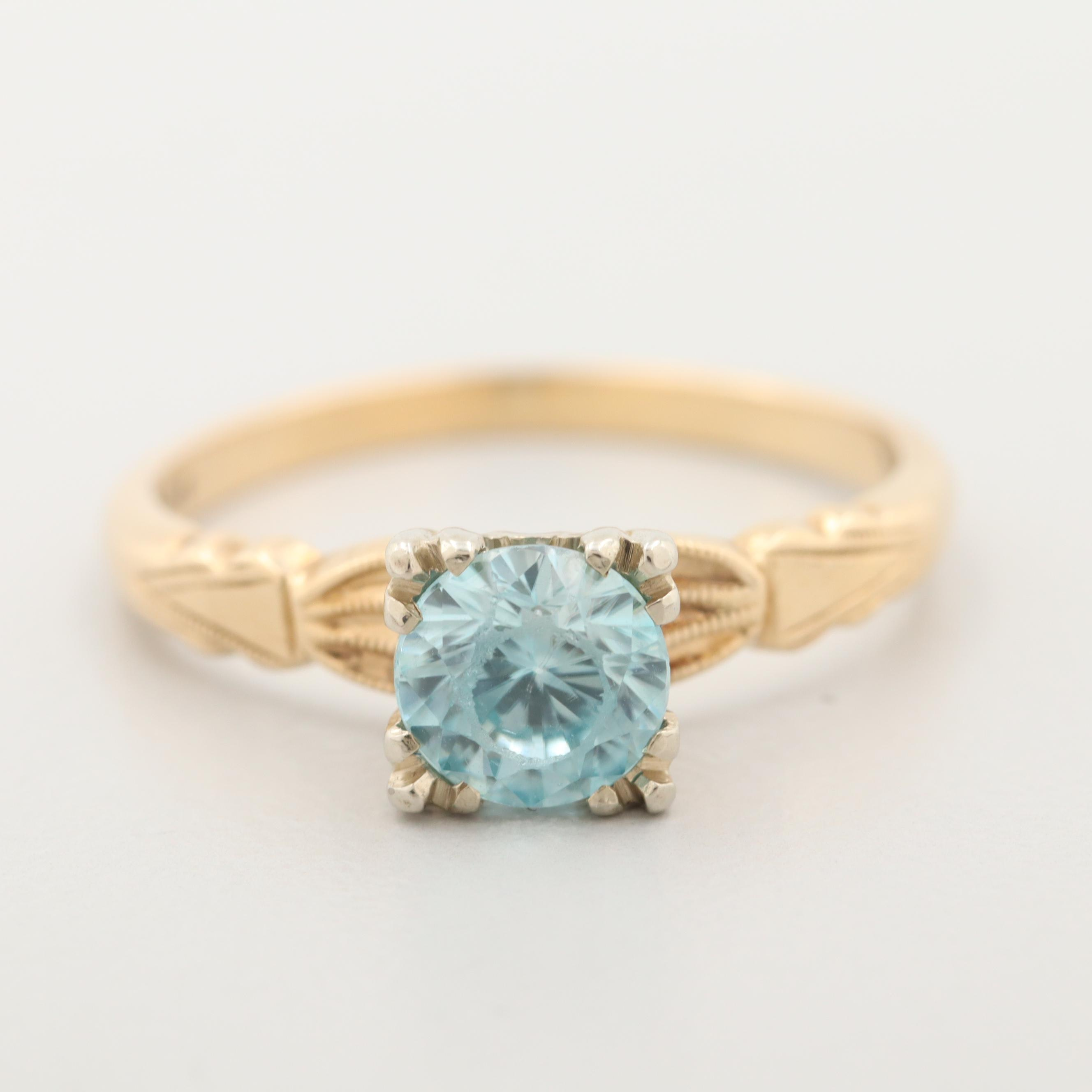 Vintage 14K Yellow Gold Blue Zircon Ring