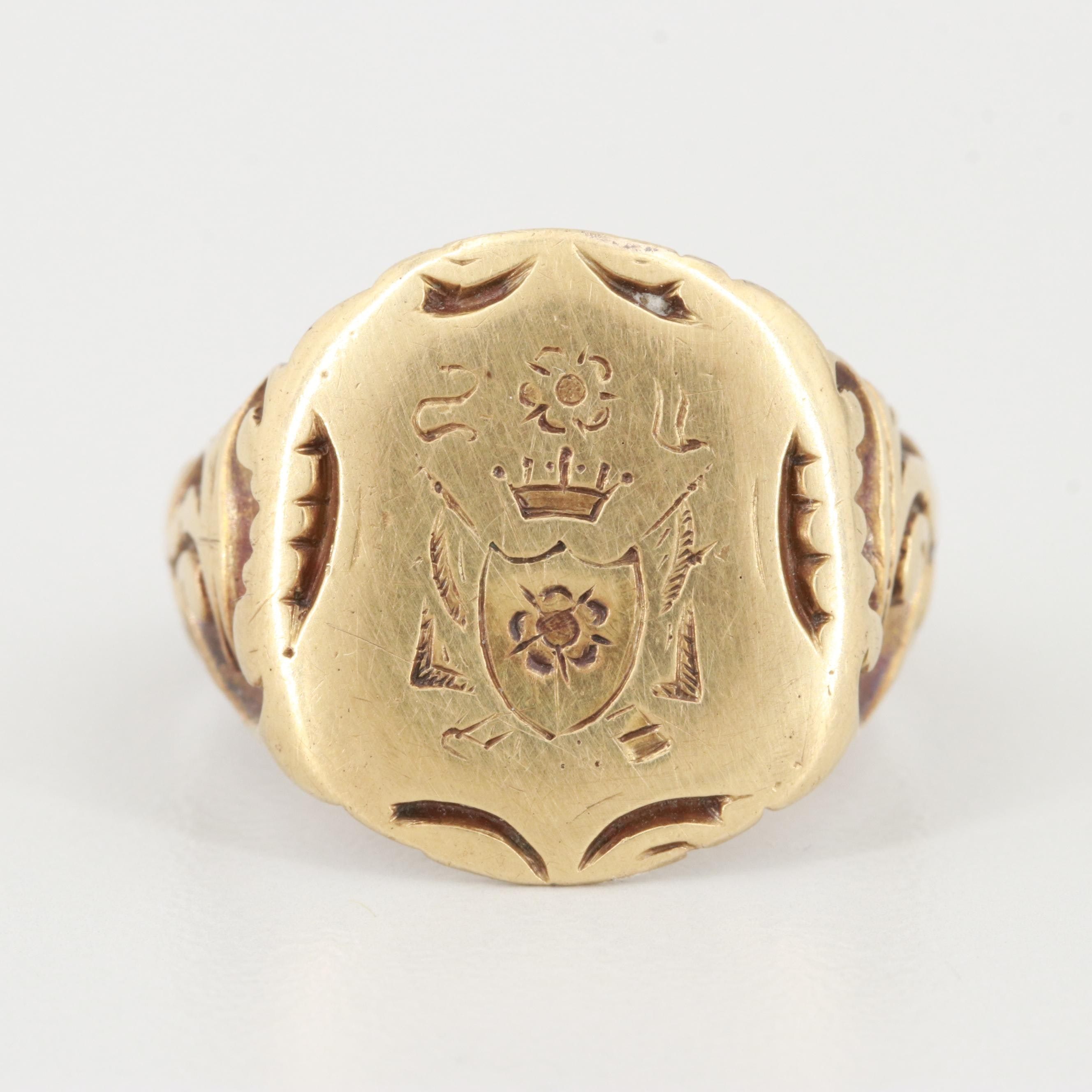 Antique 14K Yellow Gold Crest Ring