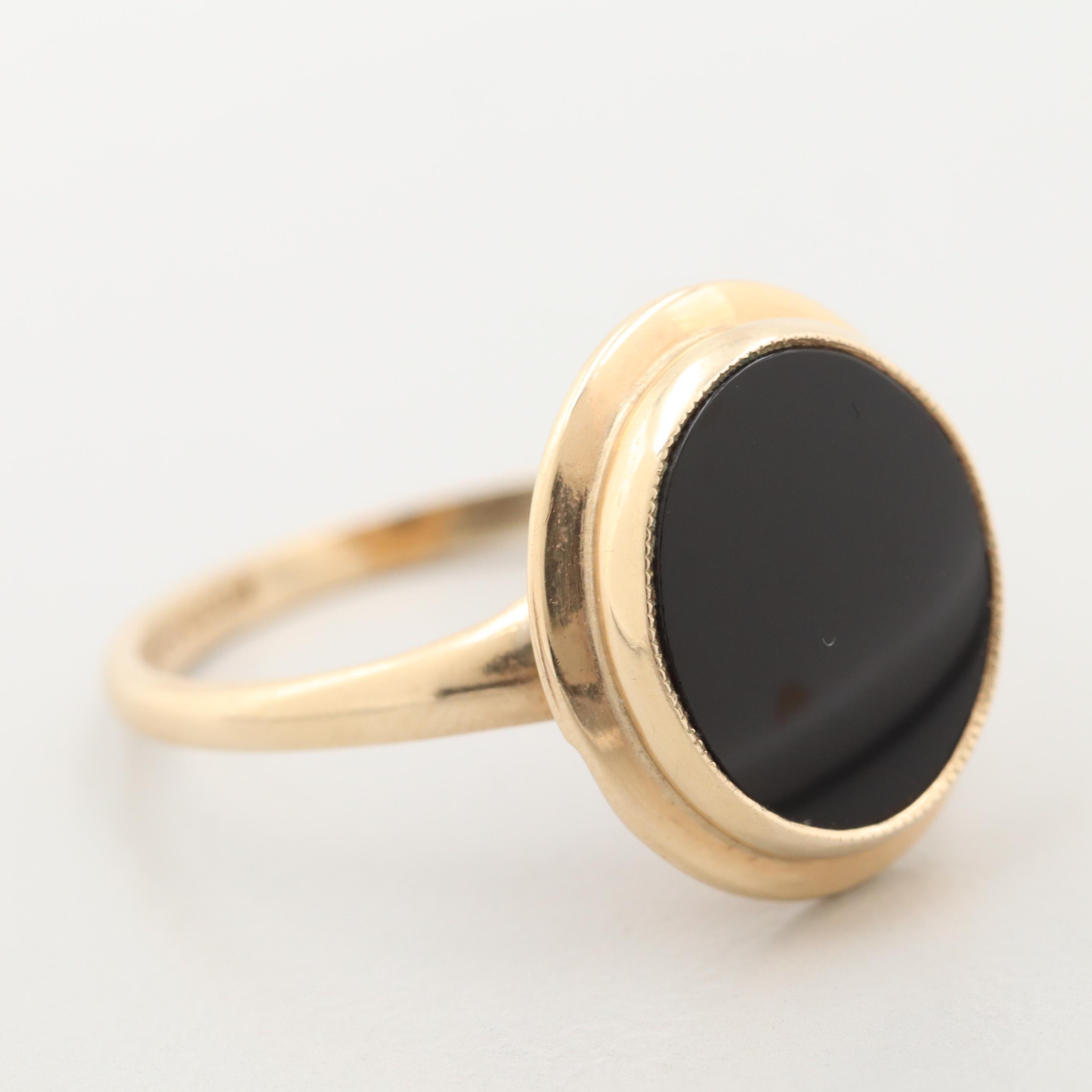 Vintage 10K Yellow Gold Black Onyx Ring