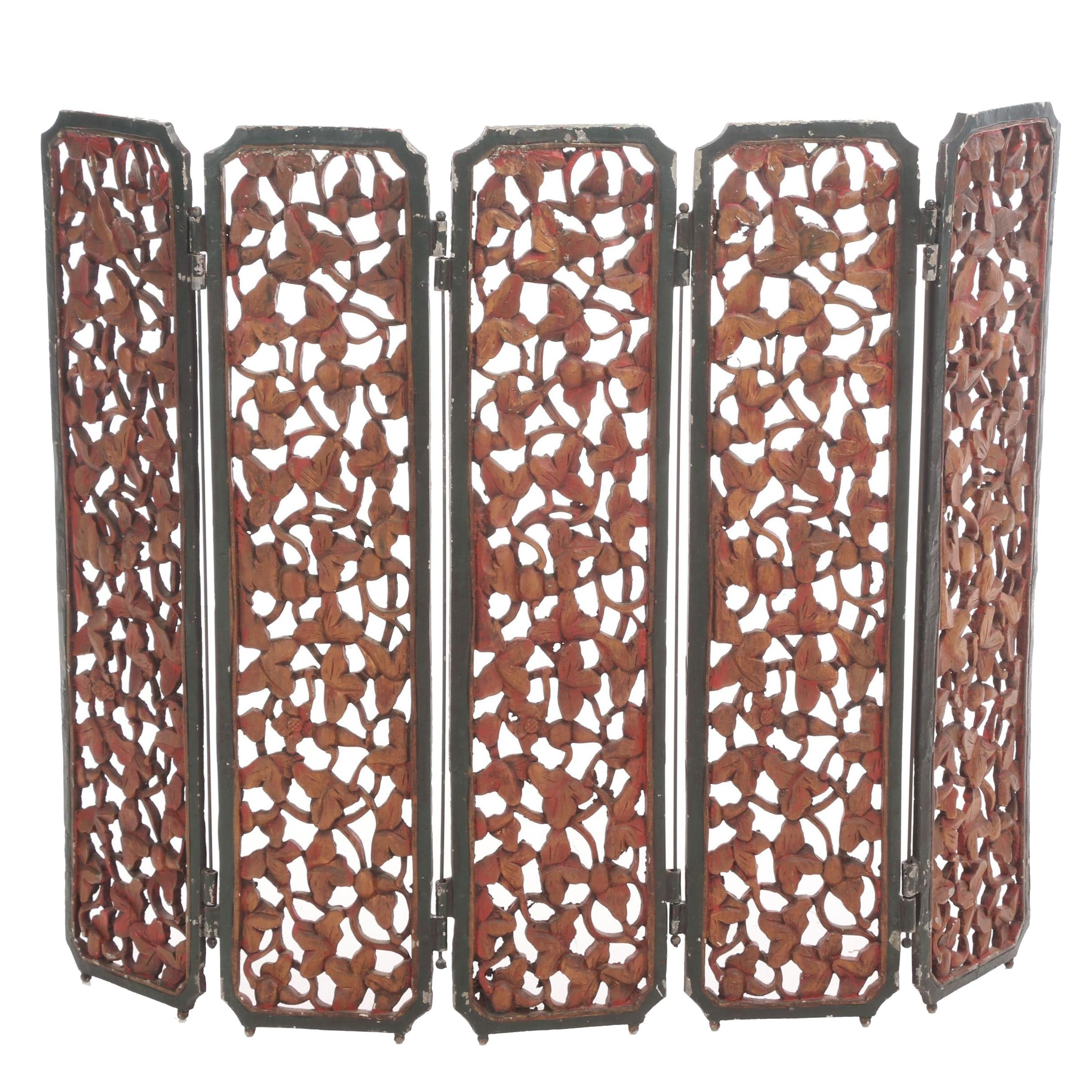 Metal Painted Fireplace Screen with Ivy Motif, Late 19th to Early 20th Century