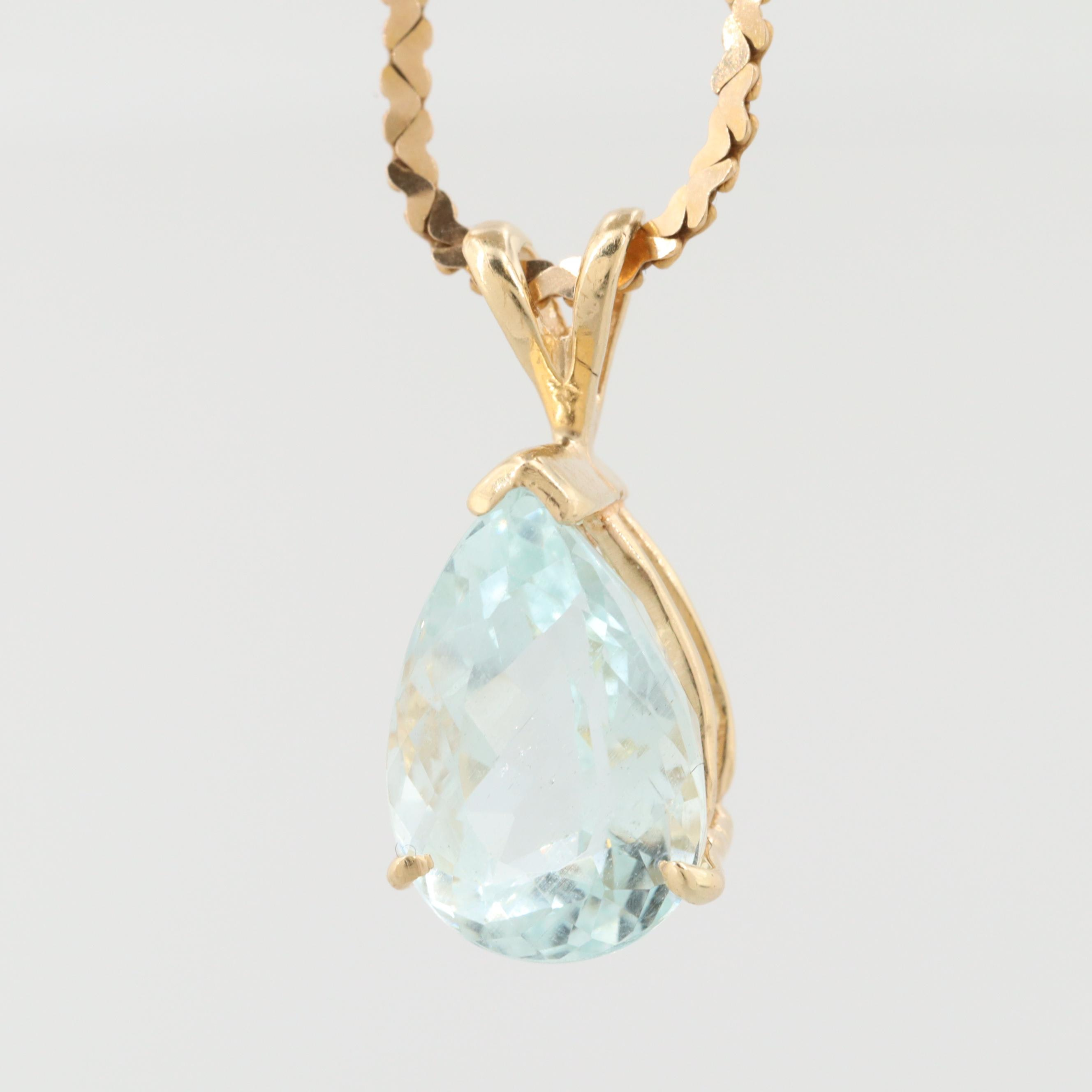 14K Yellow Gold Aquamarine Pendant Necklace