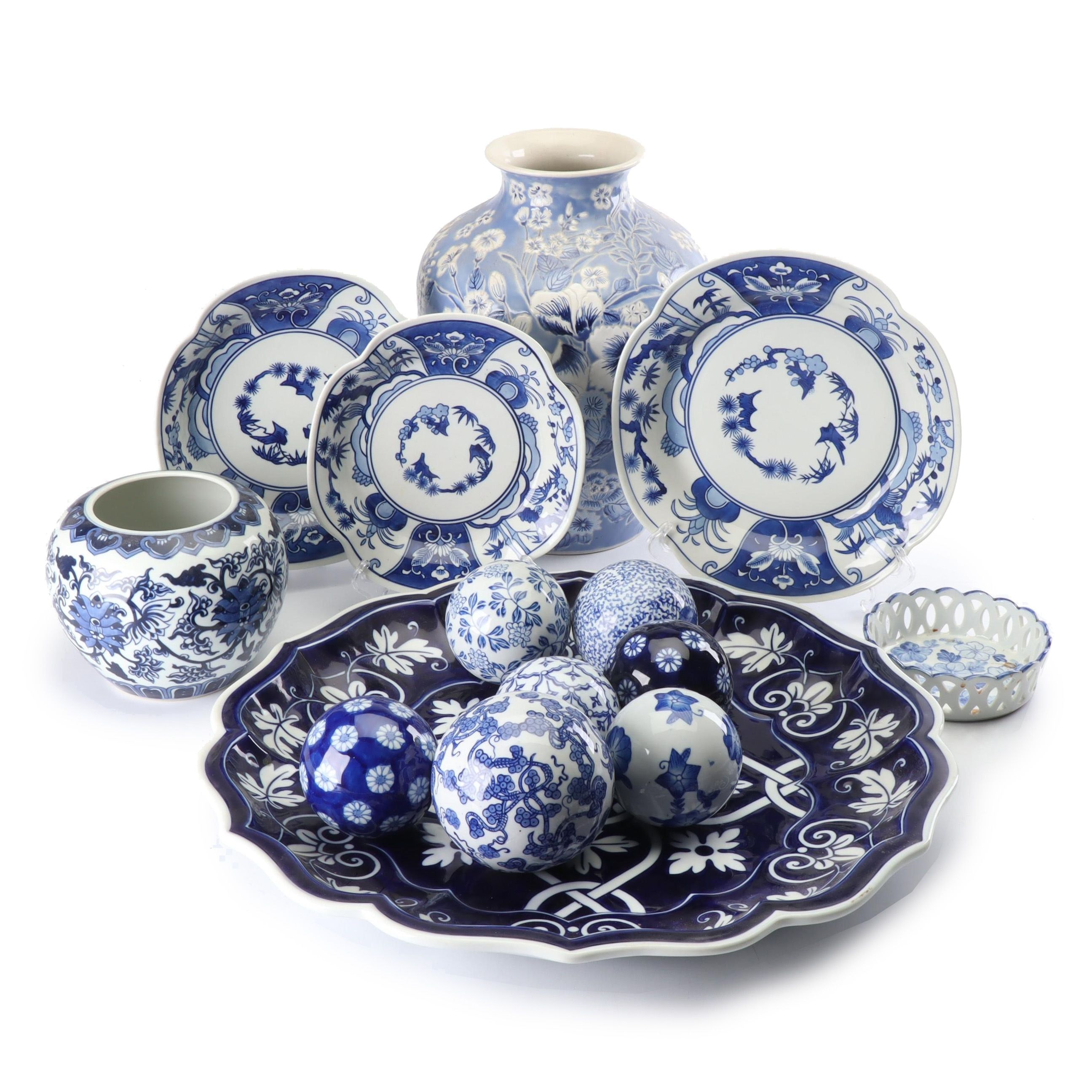 Chinese Blue and White Vases and Decorative Tableware