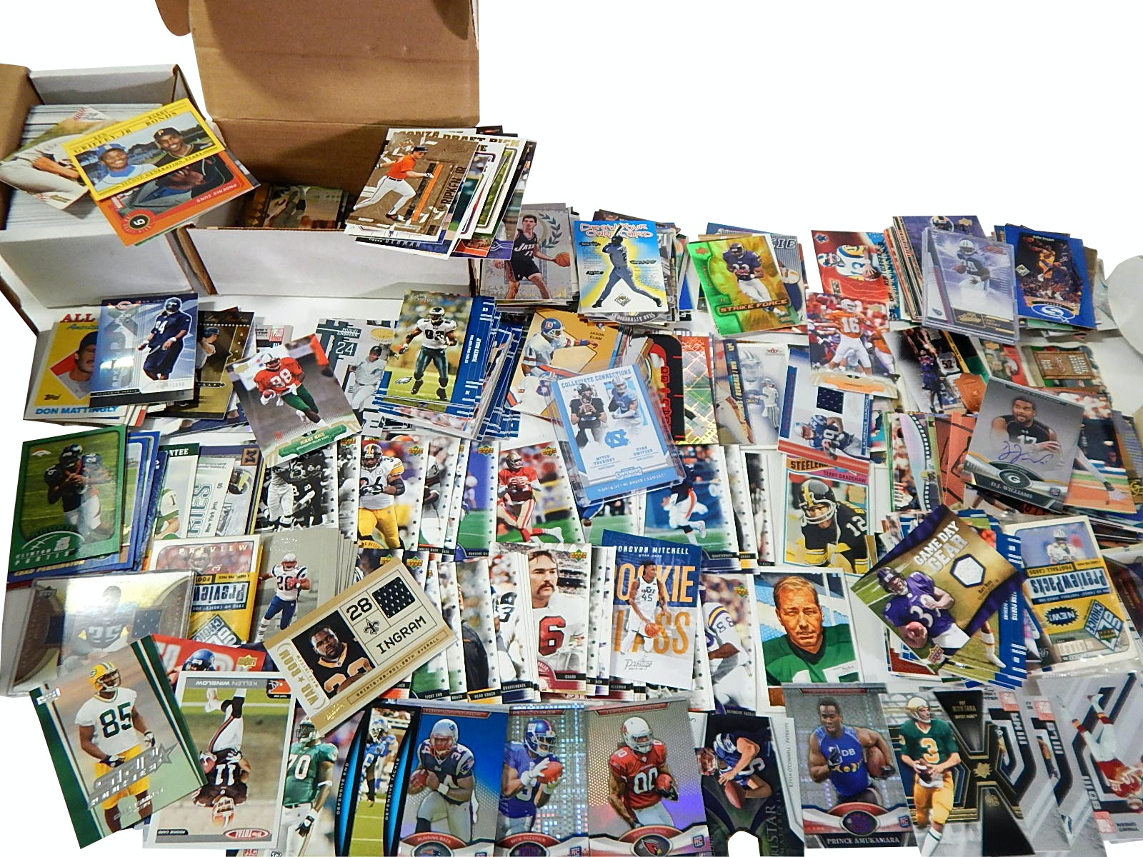 Large Collection of Baseball,Basketball,Football Star and Rookie Cards - 1000 Ct