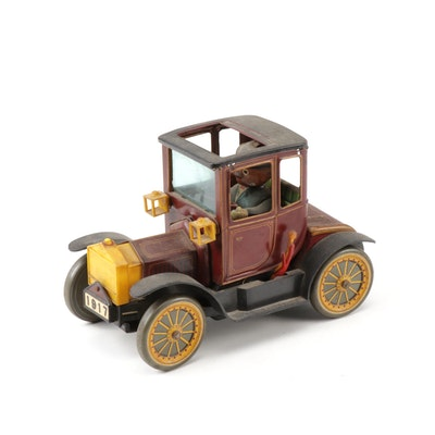 TN NOMURA 1917 Ford Model T w/driver Battery Operated Tin-Litho Toy Car