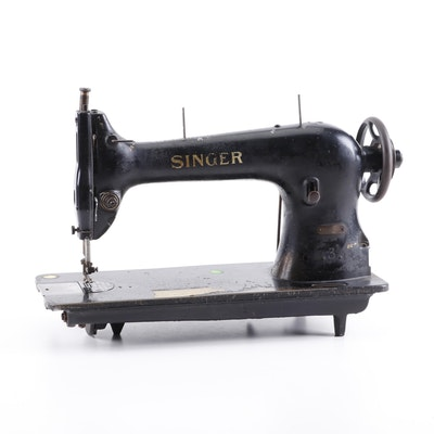 Singer Industrial Sewing Machine Model 31-15