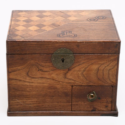 Japanese Inlaid Tabacco Box with Lacquered Interior, Early 20th Cenury