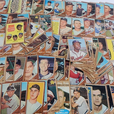 1962 Topps Baseball Cards with #320 Hank Aaron, Clemente, Podres and More