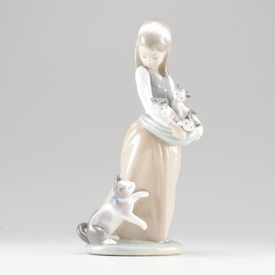 "Lladro Porcelain Figurine ""Girl with Cats"""