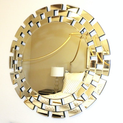 Round Chain Link Pattern Wall Mirror