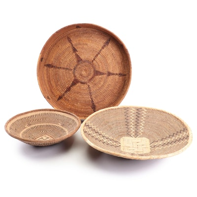 """Decorative Baskets with Stand, Including """"Whirling Log"""" Luck Symbol"""
