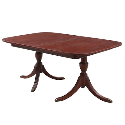 Duncan Phyfe Style Mahogany Dining Table with Leaves, Mid-Late 20th Century