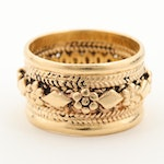 14K Yellow Gold Diamond and Club Motif Cigar Style Band with Rope Detail