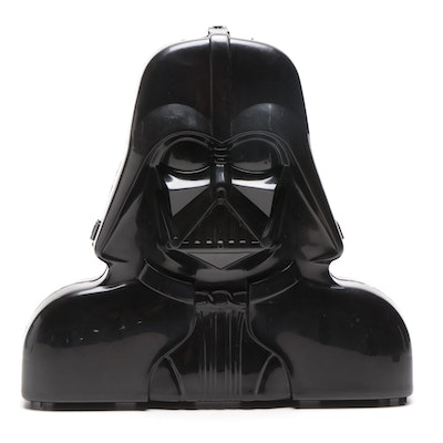 """Kenner Darth Vader Carrying Case and """"Star Wars"""" Action Figures"""
