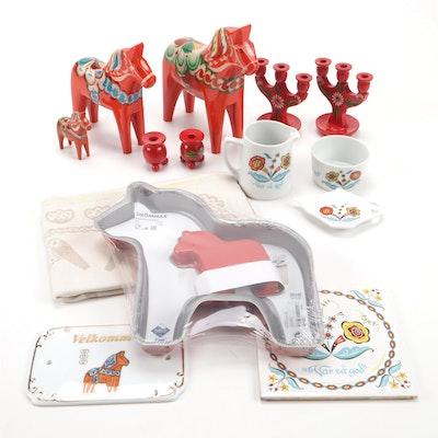Nils Olsson Swedish Dala Horses with Matching Cake Pan