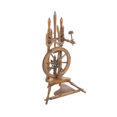 Wooden Spinning Wheel, 19th Century