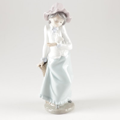 Lladró Porcelain Figurine of Girl and a Dove