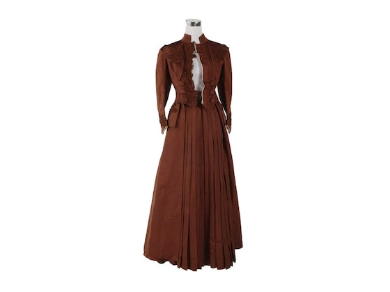 Period Clothing, Victorian Jewelry and Vintage Accessories