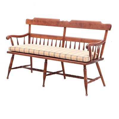 Ethan Allen Early American Style Maple Deacon's Bench, Mid-20th Century