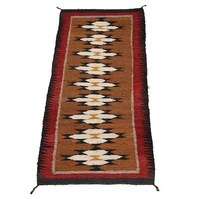 Handwoven Southwestern Style Wool Accent Rug