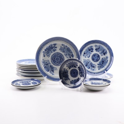 Fitzhugh Chinese Export Porcelain Dinnerware, circa 1800