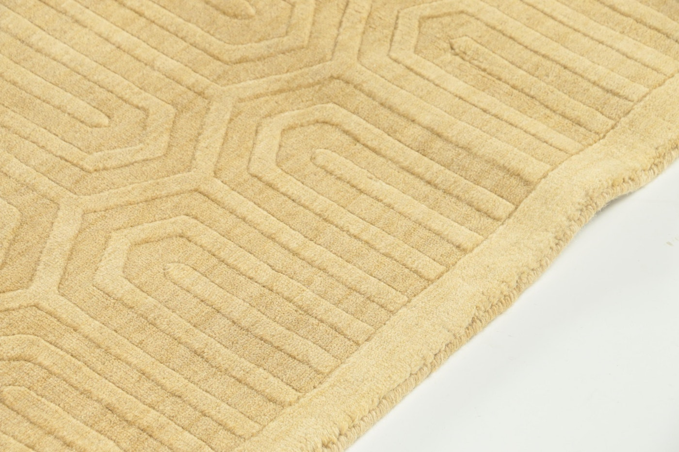 """Hand-Knotted And Carved Indian """"Echo"""" Geometric Wool Area"""