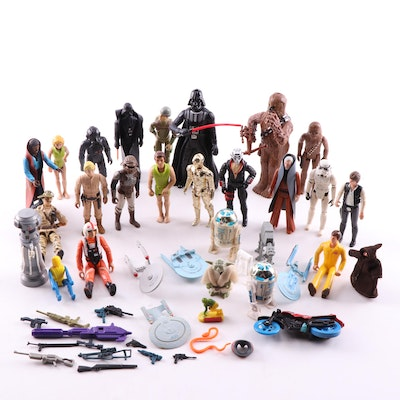 """Vintage Action Figures Featuring """"Star Wars"""""""
