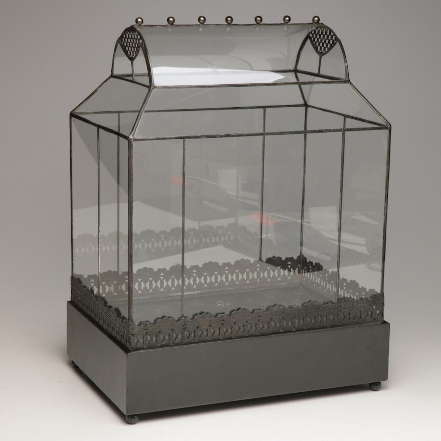 Green House Style Glass Terrarium Display Case