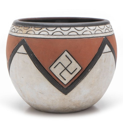 "Weller ""Souevo"" Earthenware Vase with Whirling Log Pattern, circa 1910"