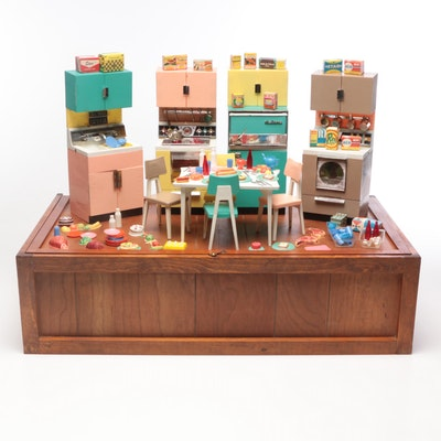 Barbie Deluxe Reading Dream Kitchen and Trunk, 1961
