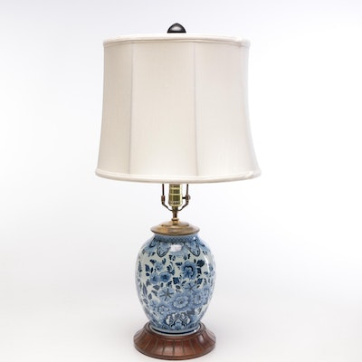 Chinese Porcelain Blue and White Table Lamp on Wood Base, Mid-20th Century