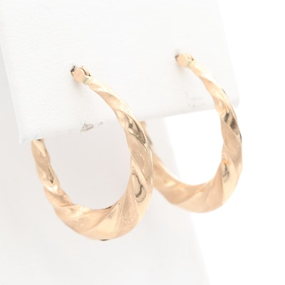 14K Yellow Gold Twist Motif Hoop Earrings
