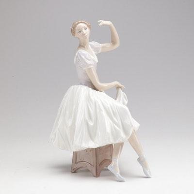"""Lladro """"Weary Ballerina"""" Figurine 5275"""