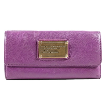 Marc by Marc Jacobs Workwear Long Wallet in Purple Pebbled Leather