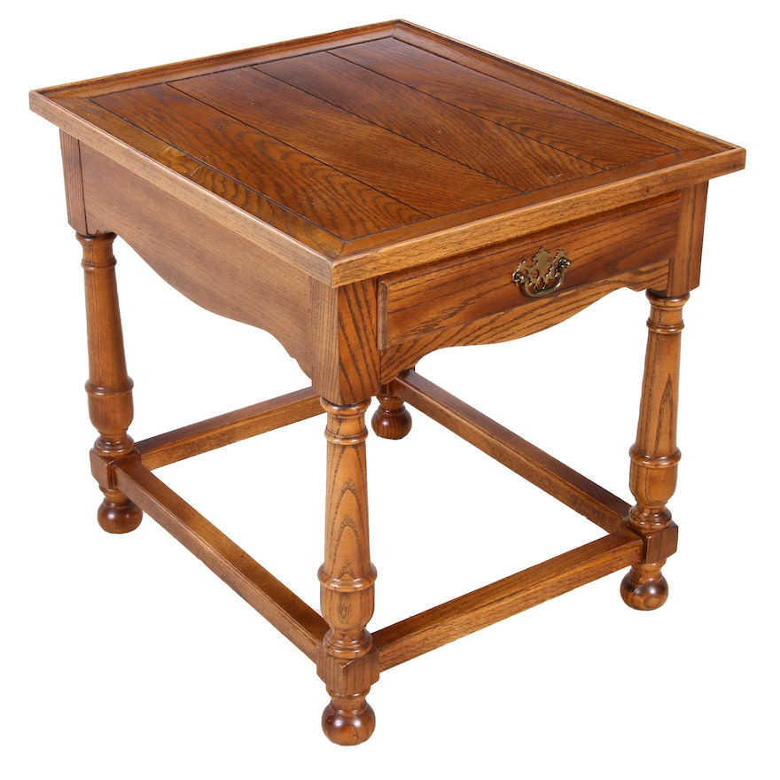Colonial Style Oak End Table, Late 20th Century