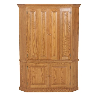 Corner Cabinet with Panel and Accordion Doors