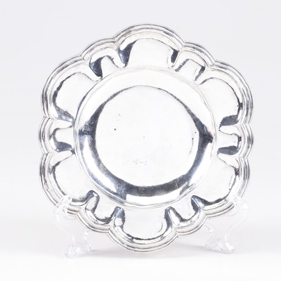 Guatemalan Spanish Colonial Sterling Silver Scalloped Tray, Late 18th C.