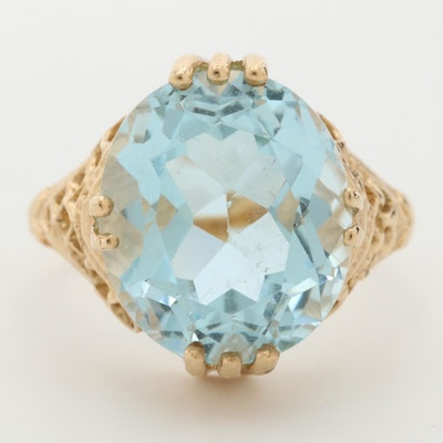10K Yellow Gold Topaz Ring In an Openwork Setting