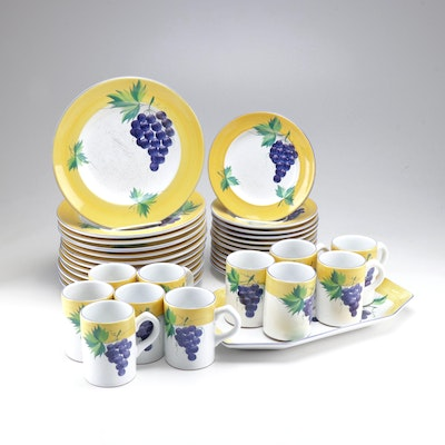 "Herend ""Villiage Pottery"" Dinnerware Collection"