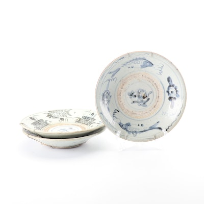 Chinese Zhangzhou Hand-Painted Blue and White Porcelain Bowls, Ming Dynasty